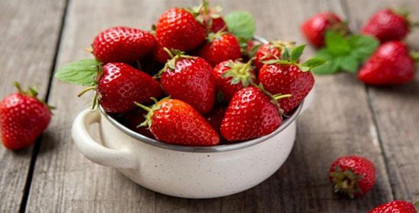 Φράουλα: Το καλοκαιρινό φρούτο με τα πολλαπλά οφέλη για την υγεία